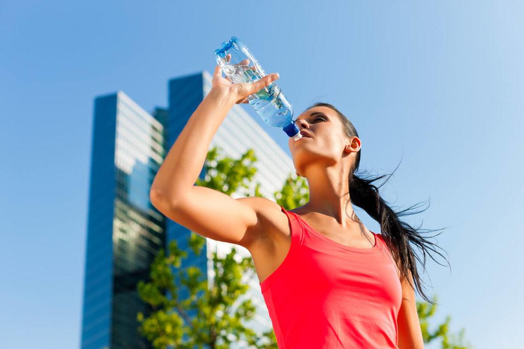 beber água ajudar nos exercícios físicos